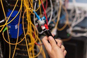 Jasa-Instalasi-Kabel-Jaringan-LAN-dan-Fiber-Optic-Profesional-Mabruka-300x200-3.jpg