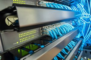 Jasa-Instalasi-Kabel-Jaringan-LAN-dan-Fiber-Optic-Profesional-Mabruka-300x200-4.jpg