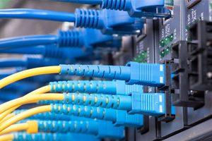 Jasa-Instalasi-Kabel-Jaringan-LAN-dan-Fiber-Optic-Profesional-Mabruka-300x200-6.jpg