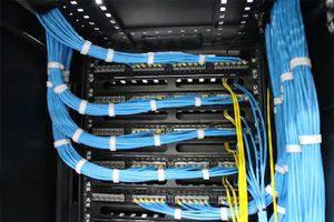Jasa-Instalasi-Kabel-Jaringan-LAN-dan-Fiber-Optic-Profesional-Mabruka-300x200-9.jpg